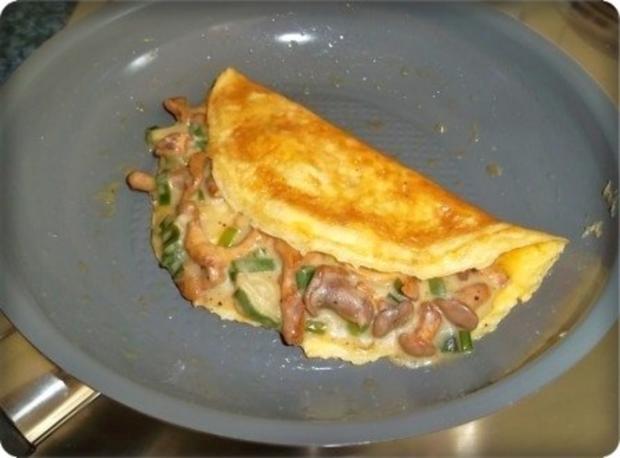 Gefülltes Omelett mit Pfifferlingen - Rezept - Bild Nr. 13