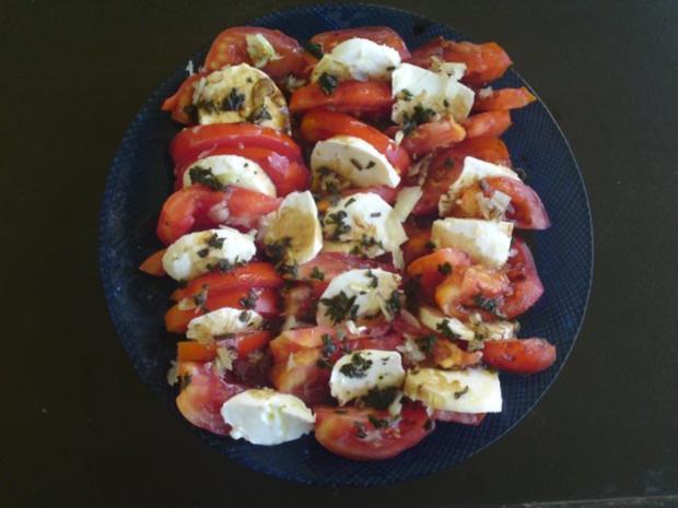 Schweineplätzchen an einer Pfeffersauce mit Nudeln und Tomaten- Mozzarella Salat - Rezept - Bild Nr. 8