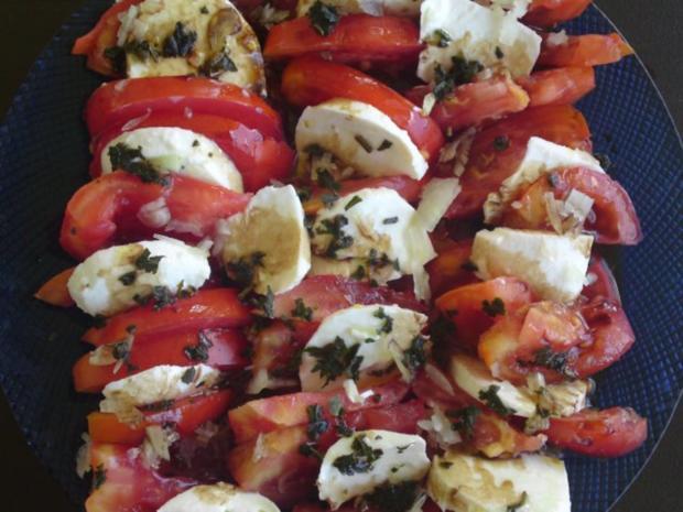 Schweineplätzchen an einer Pfeffersauce mit Nudeln und Tomaten- Mozzarella Salat - Rezept - Bild Nr. 9