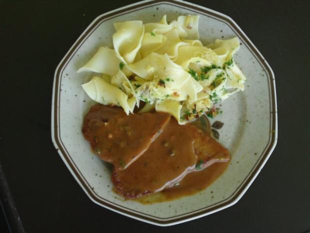 Schweineplätzchen an einer Pfeffersauce mit Nudeln und Tomaten- Mozzarella Salat - Rezept - Bild Nr. 7