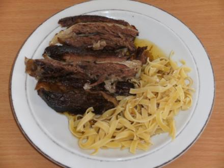 Fleisch: Rinderbauch / Schemmrippe, gekocht - wird zum Braten - Rezept