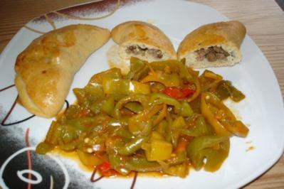 Rezept: Türkische Teigtaschen (Pogaca) gefüllt mit Hackfleisch (mit Bildern)