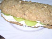 Baguette mit Pellartoffel und Ei - Rezept