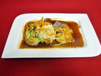 Kalbsbäckchen mit Kartoffelpraline und sommerlichen Gemüse - Rezept