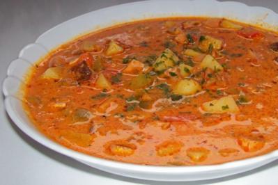 Rezept: Deftiger Paprika-Rahm-Topf mit gebratenem Leberkäse
