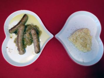 Nürnberger Rostbratwürstchen mit selbstgemachtem Sauerkraut und Kartoffelpüree - Rezept