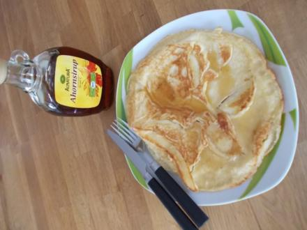 Apfel-Pfannkuchen mit Ahornsirup - Rezept