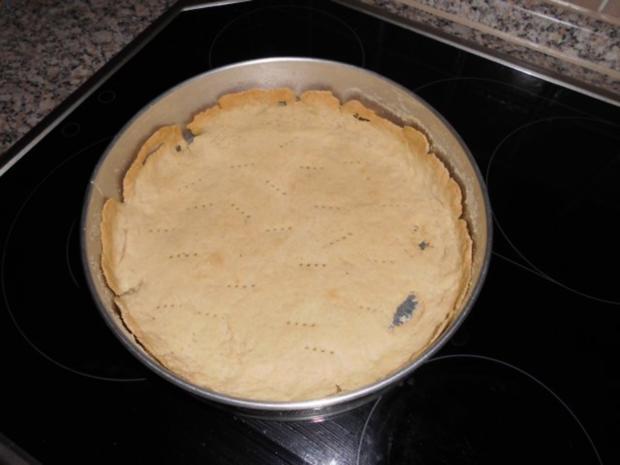 Torte-Pflaumen auf Mandel-Baiser gebettet>> - Rezept - Bild Nr. 4