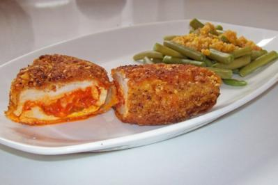 Würzige Hähnchenbrustfilets mit Chorizo-Füllung und grünen Bohnen - Rezept