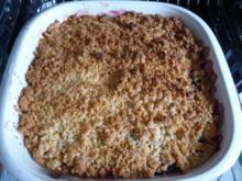 Dessert : Fifty Fifty +++ Pflaumen / Apfel - Crumbel mit Vanilleeis - Rezept