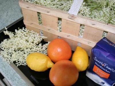 Holunderblütensirup mit Grapefruit - Rezept