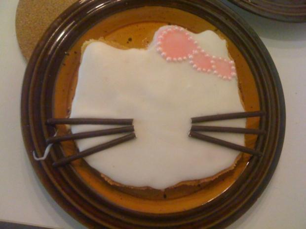 Hello Kitty Kuchen - Rezept - Bild Nr. 3