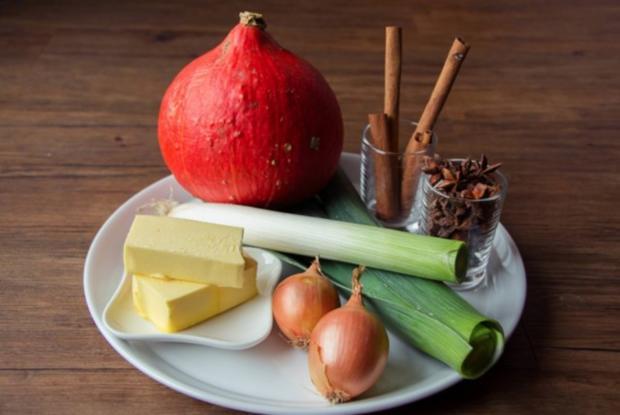 Kürbissuppe mit Zimt, Sternanis, Amaretti und Salbei - Rezept - Bild Nr. 2