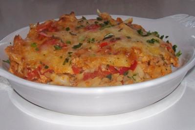 Gemüse-Nudel-Gratin mit Thunfisch und Zitronen-Frischkäse-Soße - Rezept