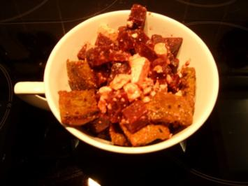 Rote Bete - Brot - Salat mit Schafskäse - Rezept