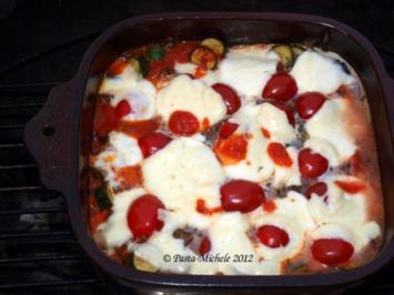 Überbackene Auberginen und Zucchini mit Salsiccasugo - Rezept