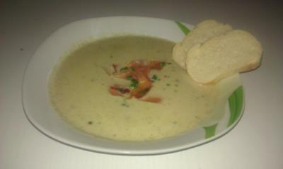 Kartoffel - Broccoli Cremesuppe mit Hackfleisch - Rezept