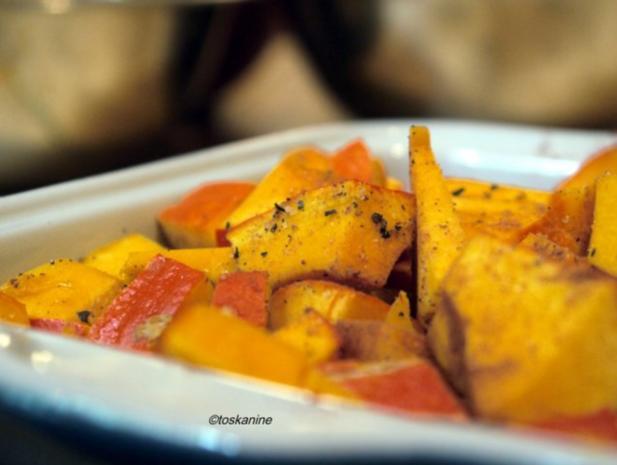 Kürbis-Ravioli mit Tomatensauce - Rezept - Bild Nr. 4