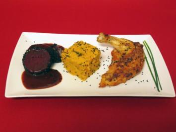 Schwarzes Huhn an Rote Bete-Medaillons mit Wasabi-Süßkartoffel-Koriander-Püree - Rezept
