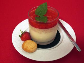 Weiße Schokoladenmousse mit Erdbeer-Püree und rotem Pfeffer - Rezept