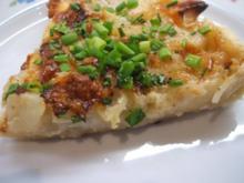 Quiche: Birnen-Quiche mit zweierlei Käse und karamellisierten Zwiebeln - Rezept