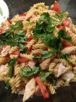 Nudel-Hähnchen-Salat - Rezept