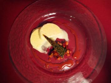 Vanilleparfait mit Sesamkaramell und Erdbeeren - Rezept