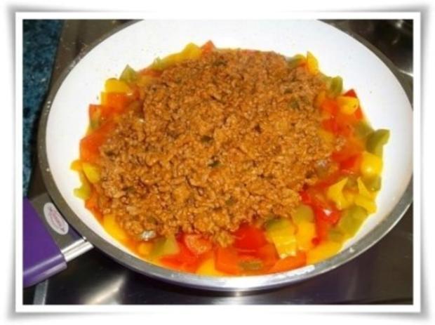 Raffinierte bunte Paprikapfanne  mit Hackfleisch und Reis dazu - Rezept - Bild Nr. 13
