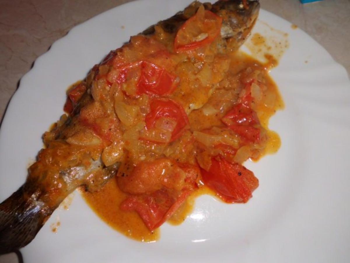 Fisch: Forelle in Tomaten-Zwiebel-Rahmsoße - Rezept Von Einsendungen widder1987