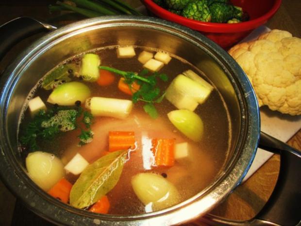 Rosenkohl-Blumenkohl-Suppe mit Eisbein ... - Rezept - Bild Nr. 3