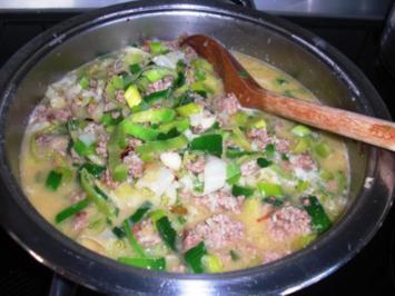 LAuch-HAckfleisch- BLUmenkohlSUppe mit KÄse - Rezept