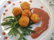 Käse: Scharfe Käsebällchen auf fruchtiger Sauce - Rezept