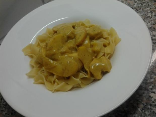 Nudeln an Apfel-Curry - Rezept