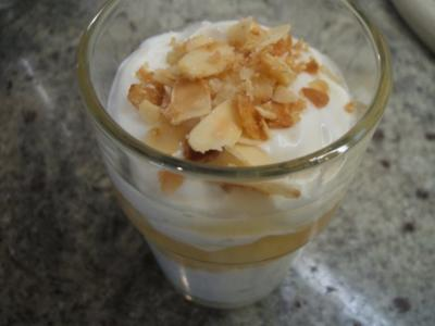 Dessert: Krokant-Quark mit gedünsteten Birnen - Rezept