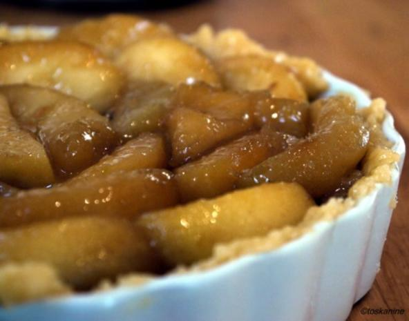 Apfel-Walnuss-Tarte mit Zimtsahne - Rezept - Bild Nr. 12