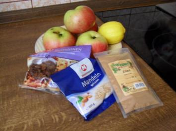 Apfelschmarr`n mit Rosinen, gehackten Mandeln und Vanillesößle für alle meine Kochfreunde - Rezept
