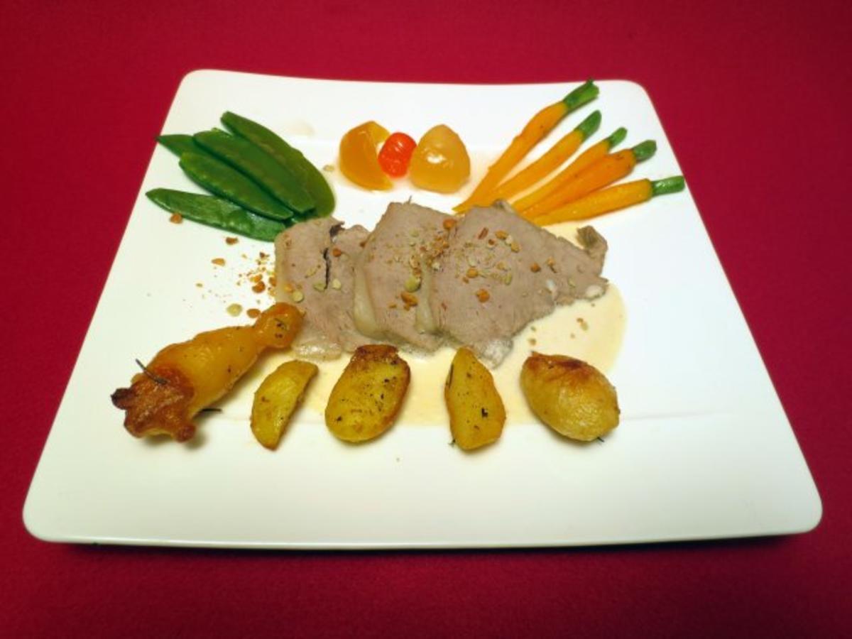 Gesottener Kalbs-Tafelspitz an Meerrettichcreme, Buttermöhrchen und Rosmarin-Ofenkartoffel - Rezept von Das perfekte Dinner