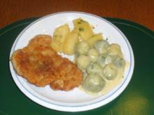 Gedünsteter Rosenkohl mit Butterkartoffeln und Putenschnitzel mit Panko-Panade - Rezept