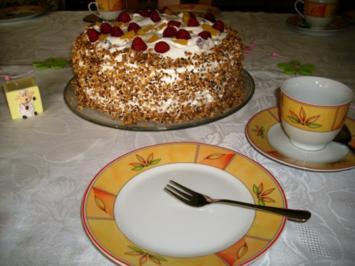 Himbeer-Pfirsisch-Torte>> - Rezept