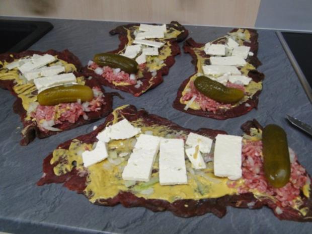 Rouladen mit Hirtenkäse und Mett - Rezept - Bild Nr. 6