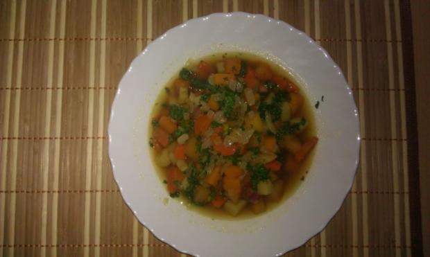 Kürbissuppe mit Steckrübe und Kasslerfleisch - Rezept - Bild Nr. 2