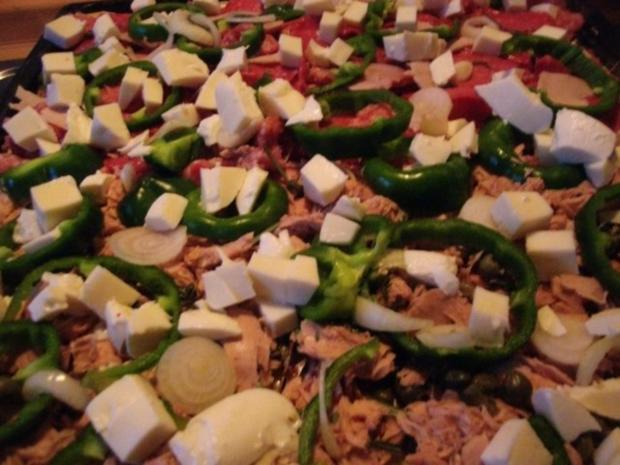Blechpizza ..........mit Pizzateig  ohne Hefe - Rezept - Bild Nr. 6