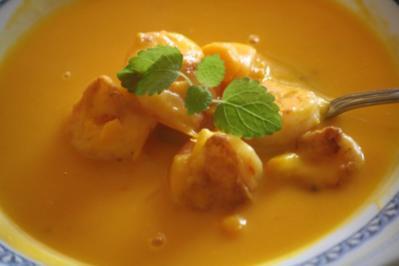 Kürbis-Orangensuppe mit Garnelen - Rezept