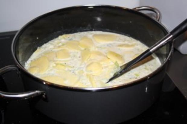 Kartoffel-Spinat-Gratin mit Gorgonzola-Sauce - Rezept