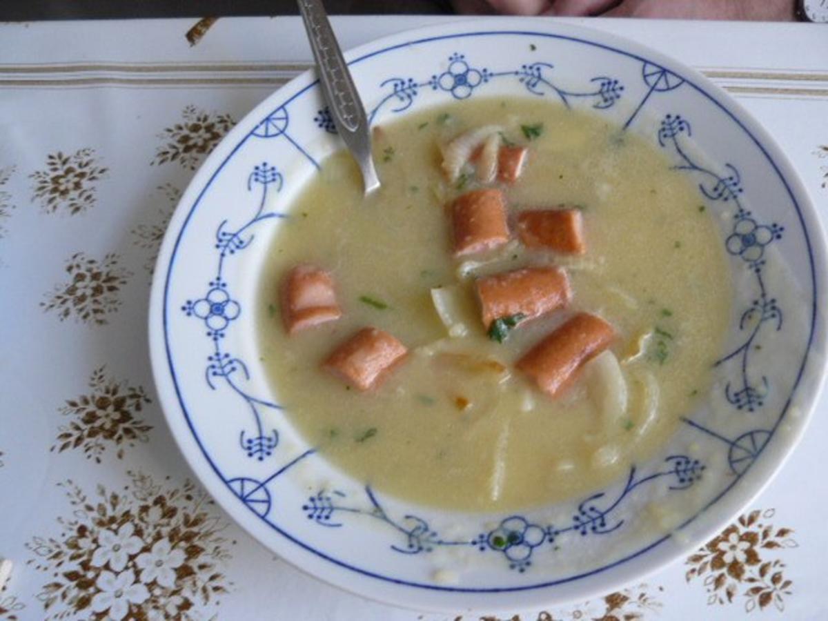 Kartoffelsuppe mit Brühknochen und Suppengrün frisch - Rezept von Donnapurzel