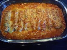 Cannelloni mit Spinatfüllung und Tomatensoße - Rezept