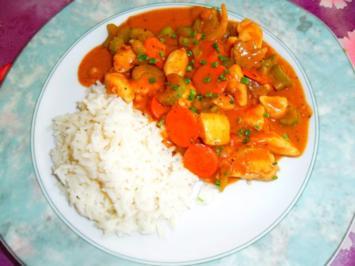 Rezept: Hühnchen mit knackigem Gemüse, in Saté-Sauce