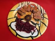Resche Ente mit Orangen-Ananaskraut und hausgemachten Semmelknödel - Rezept