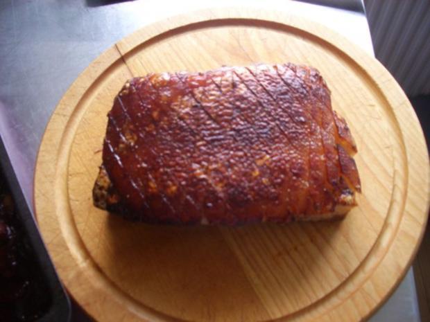Krustenbraten  -  Schweinebauch mager ohne Knochen aber mit Schwarte - Rezept - Bild Nr. 10