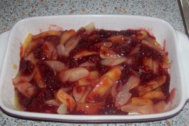 Dessert: Lebkuchen-Crumble mit Apfel, Birne und Preiselbeeren - Rezept - Bild Nr. 6